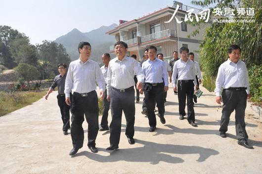 安徽省政府驻广州办事处深入岳西开展定点帮建