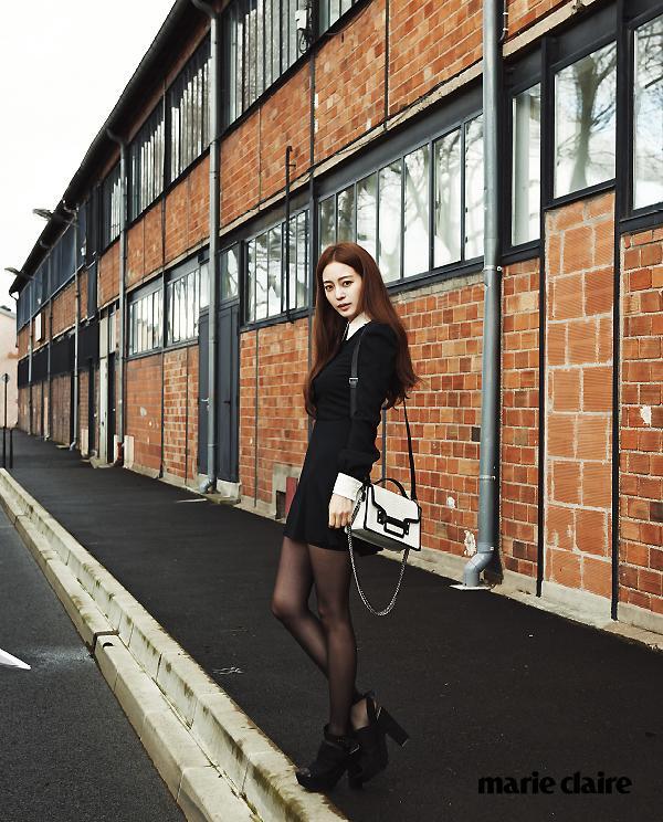 韩艺瑟蛇蝎美人新造型演绎高冷时尚
