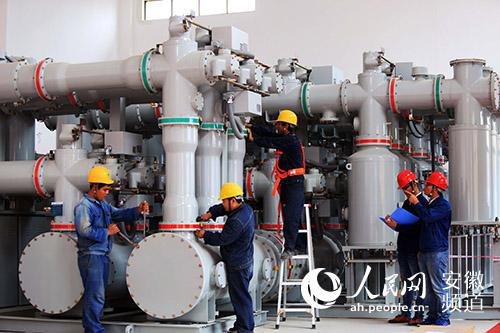 蚌埠首座220千伏大型室内GIS组合电气设备开