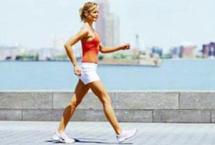 每天坚持步行的12大好处俗话说,人老腿先老。由于人体2/3的肌肉集中在下半身,所以六十多岁的人可以有年轻人七成的握力和臂力,但下半身力量却只剩下四成。据科学家们的研究证明发现,温和地健步行走,具有神奇的抗衰老功效。【详细】