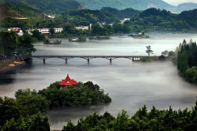安徽频道 图说天下    花亭湖风景区为国家级风景名胜区,国家aaaa级