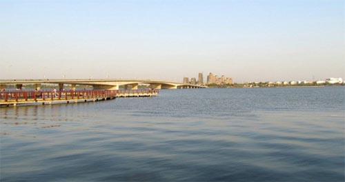 安徽频道 图说天下    龙子湖风景区座落於蚌埠市东郊,主要由龙湖,曹