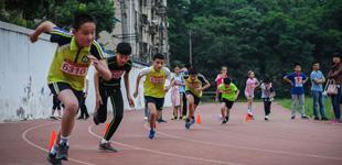 合肥市安庆路第三小学召开春季田径运动会