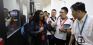 媒体采访团走进中国移动(安徽淮南)数据中心