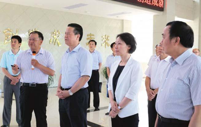 省政协主席张昌尔到安徽铜冠铜箔公司调研