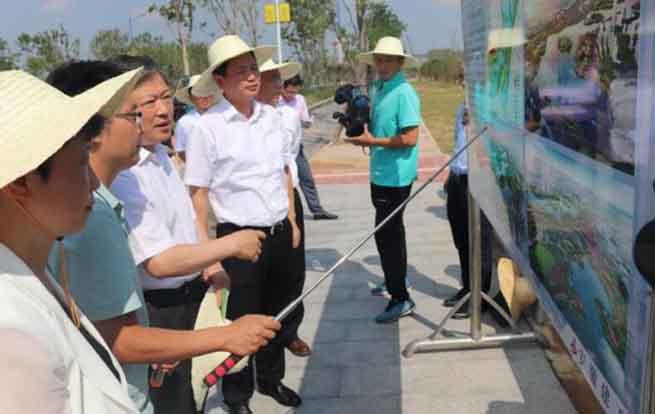 省人大常委会副主任、省总工会主席李明莅临中湖PPP项目视察