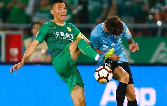 中超联赛:北京中赫国安5比2战胜大连一方