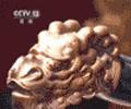 还原清代帝王日常家居        故宫南大库家具馆首次使用仓储式展陈方式,众多紫檀、黄花梨御用家具还原了清代帝王的日常家居。