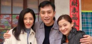 梅婷刘烨曾黎老同学合影 开心直呼像开学