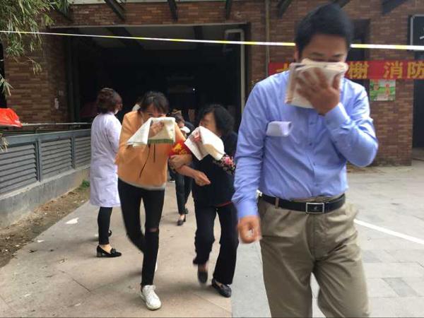安徽合肥长春社区消防演习进小区