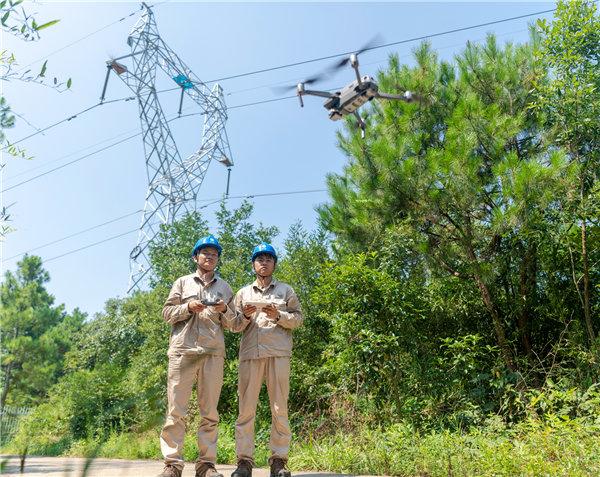宣城供电:无人机高空巡视全覆盖