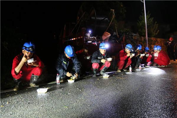 """应对超强台风""""利奇马"""" 国网安徽电力全力抢修恢复供电"""