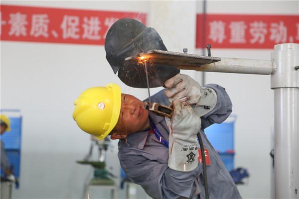 安徽泗县:农民工职业技能大比拼
