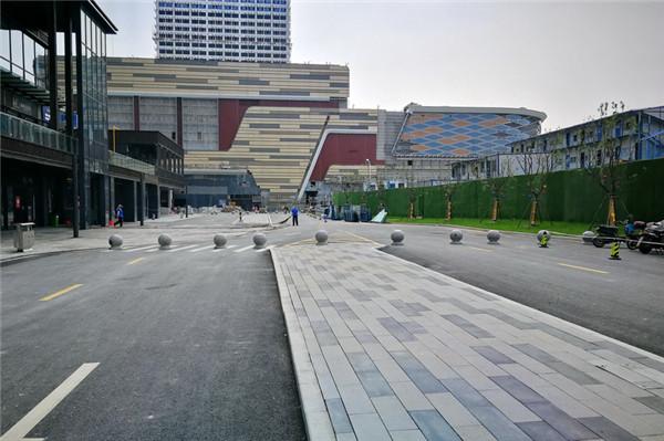 三座新建公交首末站完成工程初验
