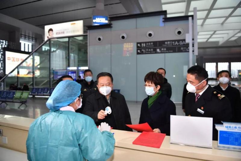 宋國權檢查我市新型冠狀病毒感染的肺炎防控工作并看望慰問堅守崗位人員